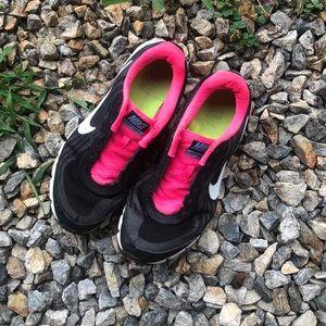 Nike Reax Run 9 Women's Sneakers